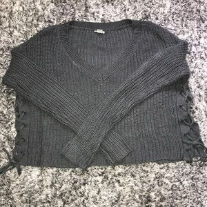 🛍 4 for $25! 🛍Cropped lace-up Garage sweater.
